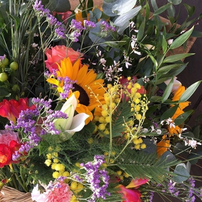 Find out how to have the perfect spring wedding flowers this this experts advice